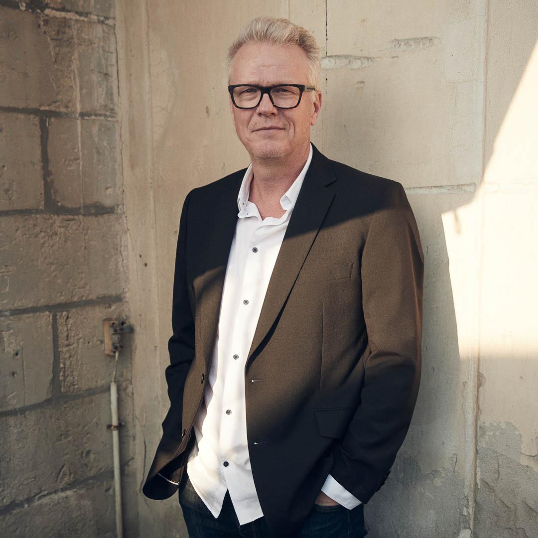 Anders Levén – drums